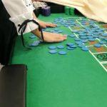 Quantity creates quality for casino dealer. 量が質を生むカジノディーリング練習