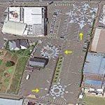 パチンコ屋の駐車場に複数ある巨大な模様をドローンで上空から空撮してみた!